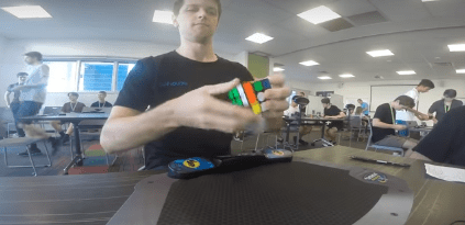 Rekord Rubikovy kostky 3x3x3 - průměr