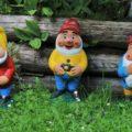 Čtyři barevné klobouky